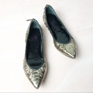Donald J. Pliner DMSX Siena Gold Pointed Toe Flats